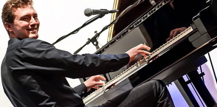 Dan Popek – Pianist