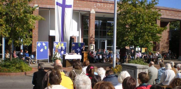 13. OpenAir-Gottesdienst der Evangelischen Gemeinden in Schnelsen