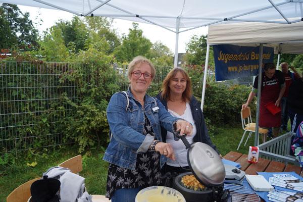 Sommerfest in der Flüchtlingsunterkunft Pinneberger Str.