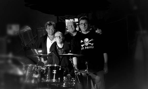 Benefizkonzert: Schattensaite und Four Colour Green- Alternative Rock aus Hamburg