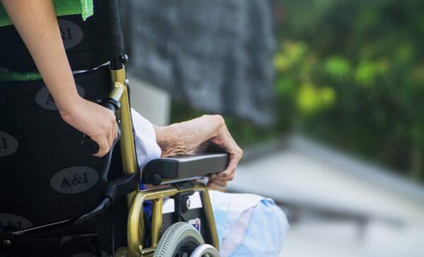 Kompakt-Spezialpflegekurs für Angehörige von Menschen mit Demenz:
