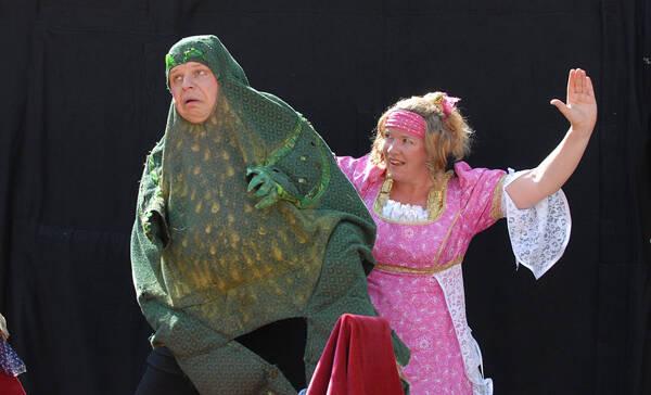 Unser Weihnachtsmärchen: Tamalan Theater – Froschkönig